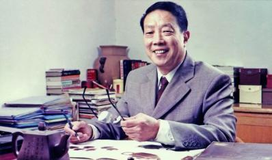 李昌鸿(研究员级高级工艺美术师)
