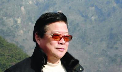 鲍志强(研究员级高级工艺美术师)